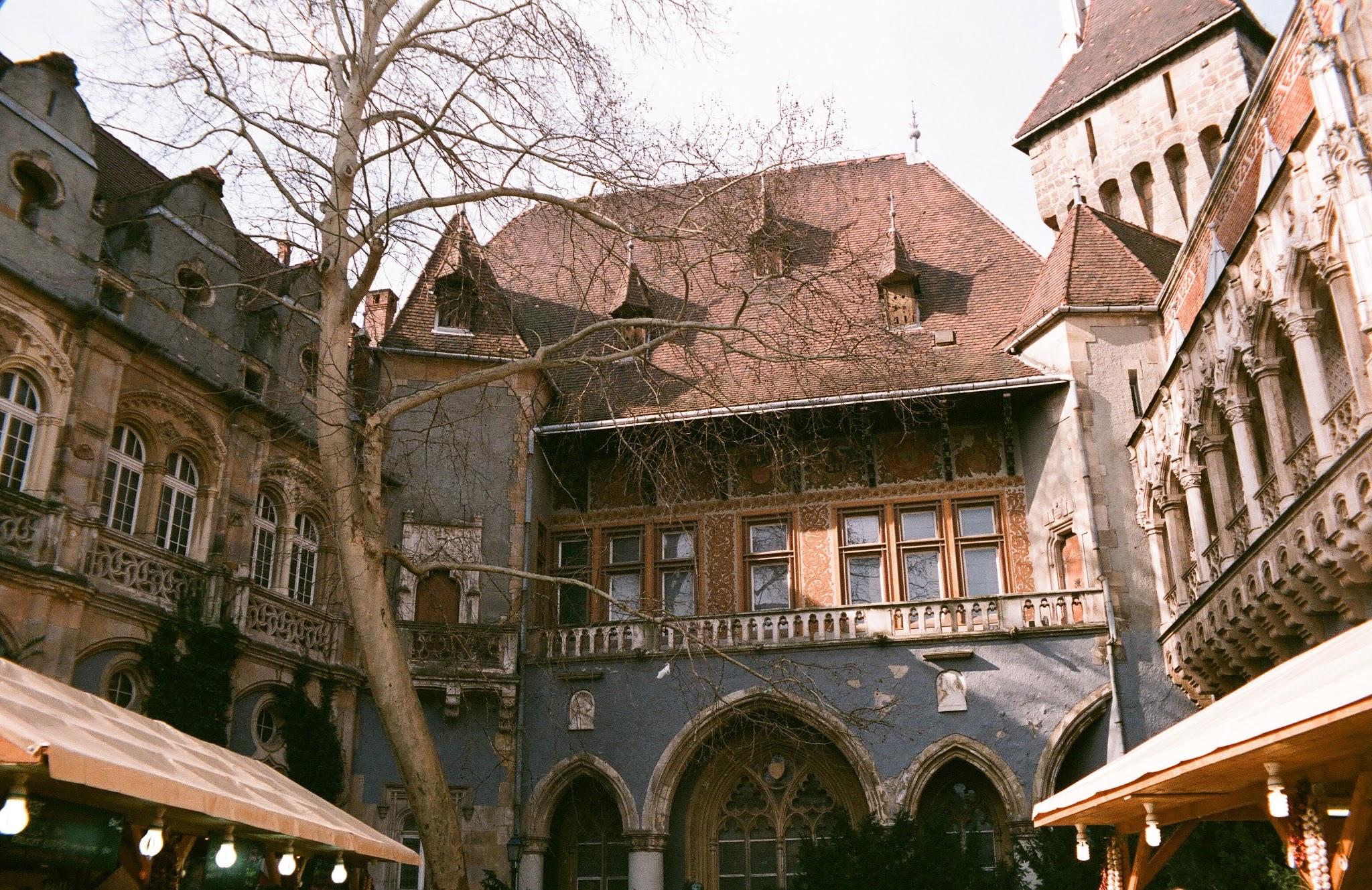 Co zobaczyć w Budapeszcie – zamek Vajdahunyad