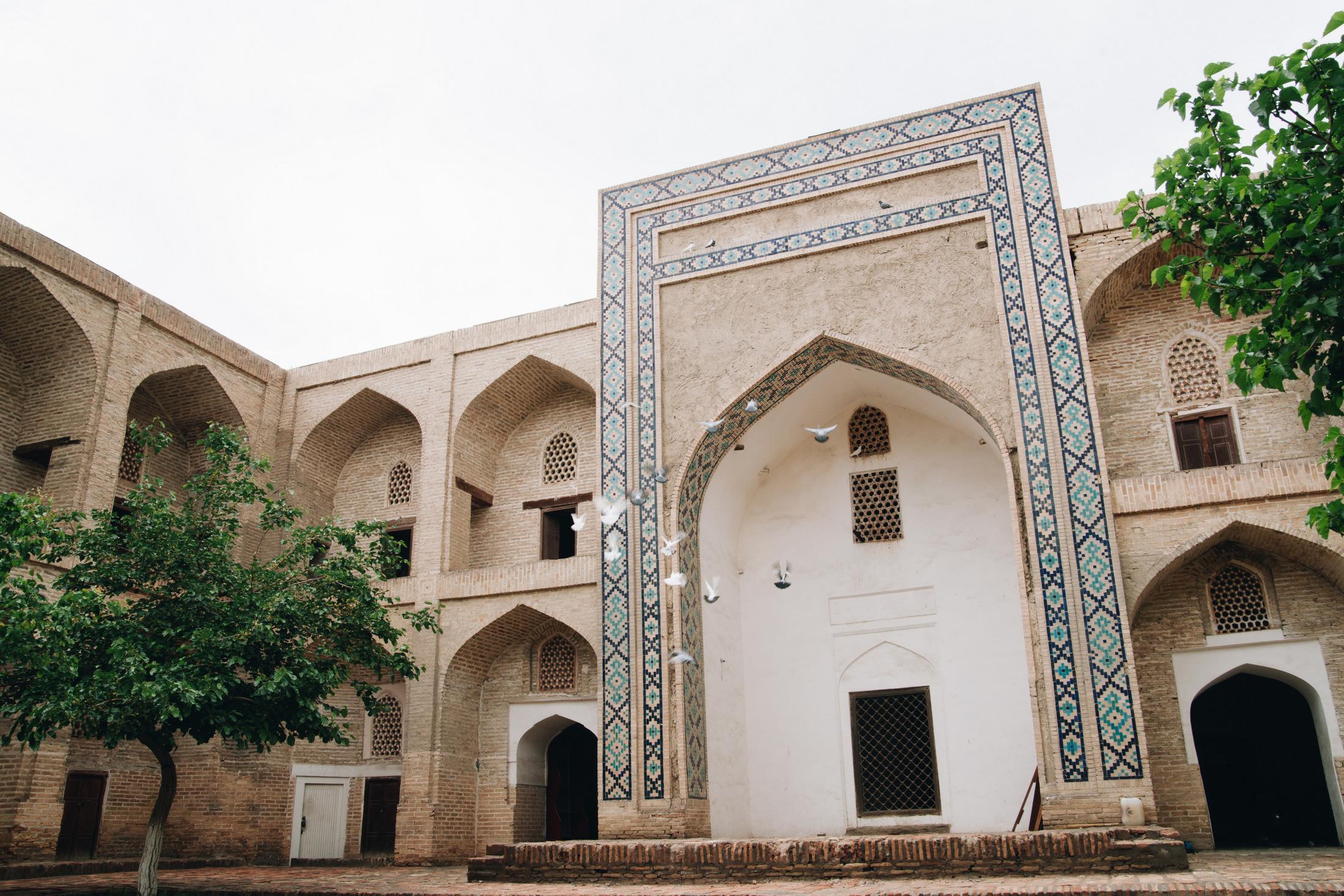 buchara uzbekistan medresa