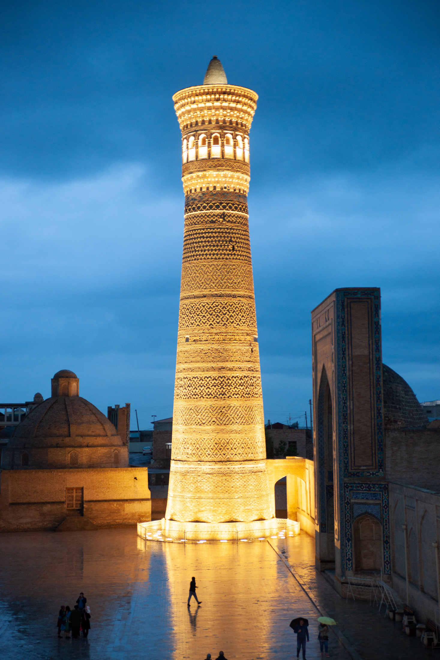 buchara uzbekistan minaret kalon